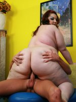 Redhead BBW babe Harmony slurping a fat cock with her lips and bounces her hot ass on top