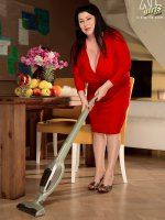 Womans Work Is Never Done – Natalie Fiore – BBW