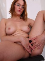 Young fatty stretches her wet snatch with fingers
