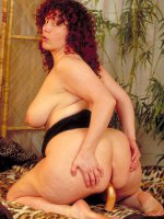 Fucking that hot wet pussy is this stunning bbw hottie on her bed