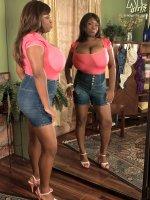 Big Bra Show-off - Mianna Thomas - BBW