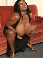 Fatty ebony babe Taylor Juggs with big tits exposes her mocha fat ass