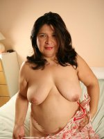 Big full mommy plays with her yummy juicy pink