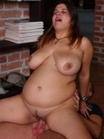 Guy fucks young plumper and drenches her with cum