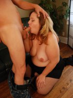 Cute blonde BBW Bree drops the sweet girl act to satisfy a horny guy by giving off a blowjob