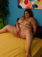 Sassy young bbw Sunkist spreading her pussy and takes cock ramming in her coochies