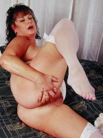 Stunning bbw milf in sexy white lingerie spreads her nice big ass and more