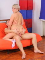 Young hottie with a stunning ass rides sturdy meat