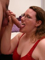 Horny fat MILF Lorelie dishes out an awesome blowjob that earns her a good dose of cock thrusting