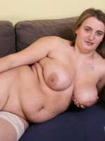 Young fat babe shows her boobs and pussy