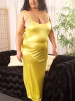 Old bbw brunette Dios in olive gown shows off her plump treasures