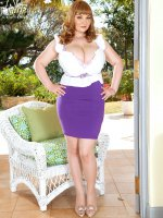 The Miracle of Micky's Mountains - Micky - BBW