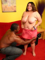 Fat chick getting her cunt pierced with black cock