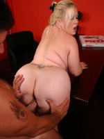 Hot blonde plumper having her fat ass banged