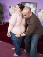 Outrageously horny Jelli Bean hooks up with a chubby chasers and starts off by flashing her racks