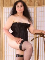 Naughty mature bbw hottie Cathy in stockings exposing her shaved pussy