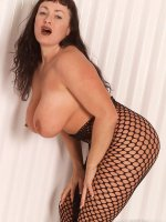 Chick and juice bbw hottie Betty Boob in fishnet body suit