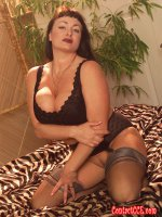 Milf fatty Betty Boob in some sexy black lingerie
