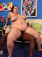 Thick BBW Mona Mounds taking off her top to show off her massive racks and gets cum glazed live