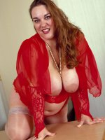 Red sexy lingerie bbw Cathy spreading her flabby sweet pussy and tits