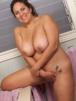 Smoking hot latin bbw goddess Loretta playing with her nice wet shaved pussy