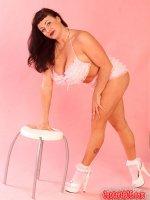 Betty Boob the amazing mature fatty having some fun