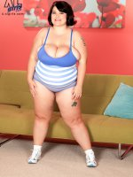 Down Home Country Gal - Lisa Canon - BBW