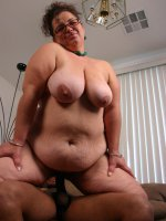 Pretty matured bbw Shianna playing with her massive jugs while sucking off a big cock