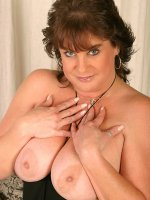 Gorgeous milf BBW Terra seducing and spreading her big fat trimmed clit