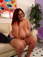 Brunette bbw Peaches naked and humping on top of a black stud to take pussy filling