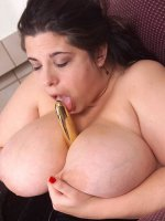 Lucky toy in that nice big bbw pussy of hers