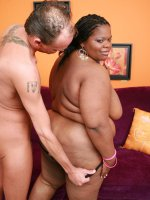 Sexy ebony BBW Chocolat Hottie slurping a fat cock and gets doggy style pussy humping