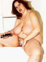 BBW Hottie Karise shaving her nice fat wet pussy and showing of those juggs